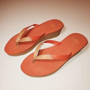 MINT CONDITION UGG Sandal Wedge Flip Flops
